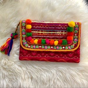 Peruvian style clutch